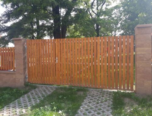 Vjezdová brána Hříškov