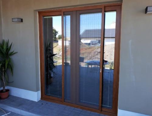 Okenní a dveřní posuvná síť proti hmyzu