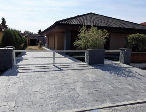 Vjezdová brána a branka Smolnice