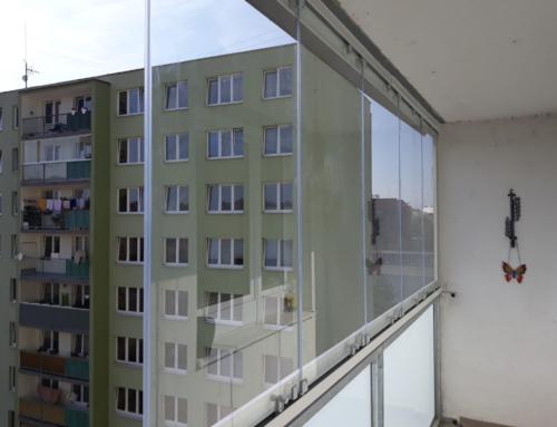Bezrámové zasklení balkonu